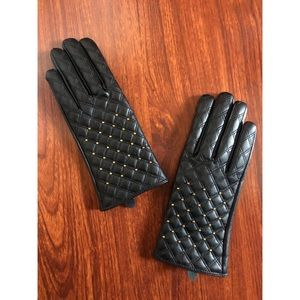 Leather faux stud gloves